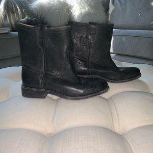 🤠Women's Frye boots 🤠